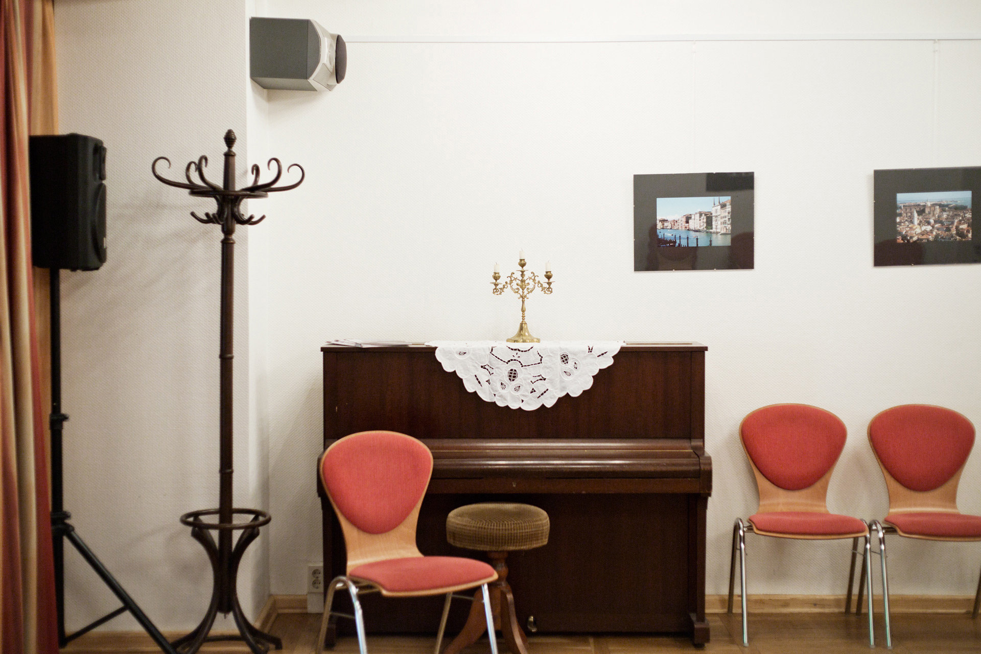 Klavier im Altenzentrum (Foto: Johannes Heinke)