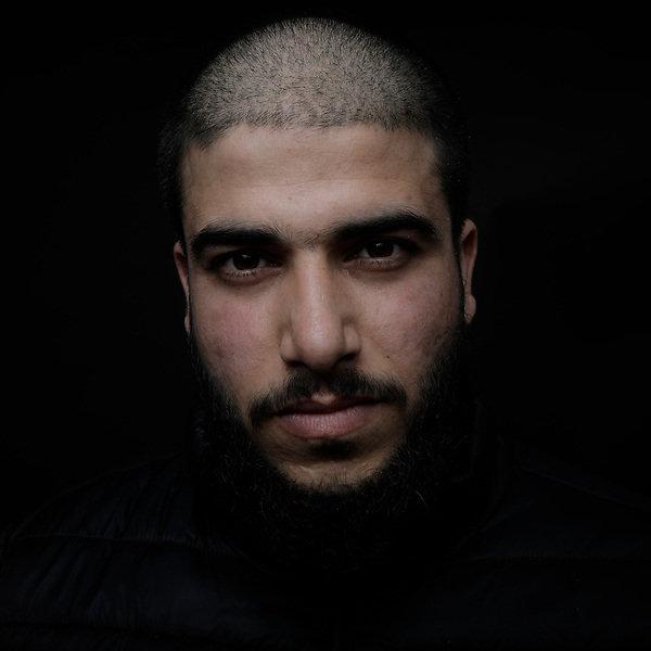 Ali, 22