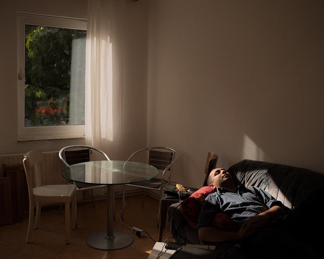 Aziz in seiner neuen Wohnung (Christian Protte)