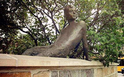 Erich Kästner Bronzeplastik in Dresden (Foto: Peter Bubenik)