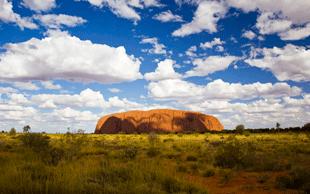 Ayers Rock, der heilige Berg der Aborigines | © picture-alliance/dpa (Foto: picture-alliance/dpa)