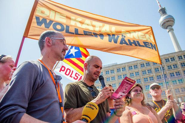 """""""Die Katalanen wollen wählen"""" – Pep Guardiola im Juni in Berlin. (Foto: picture-alliance)"""
