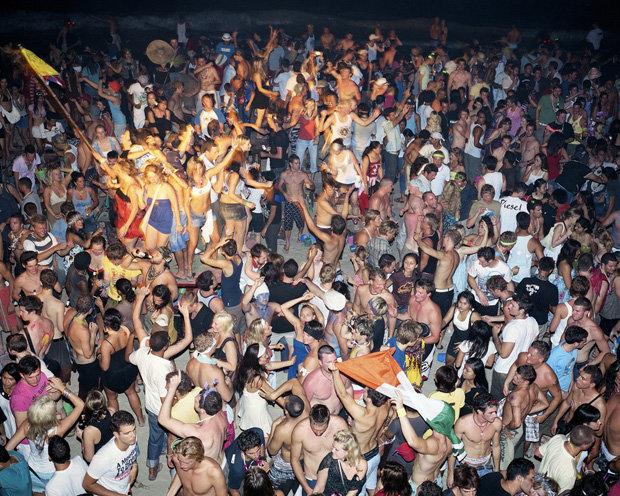 … feierten auch Full-Moon-Partys am Strand, und …