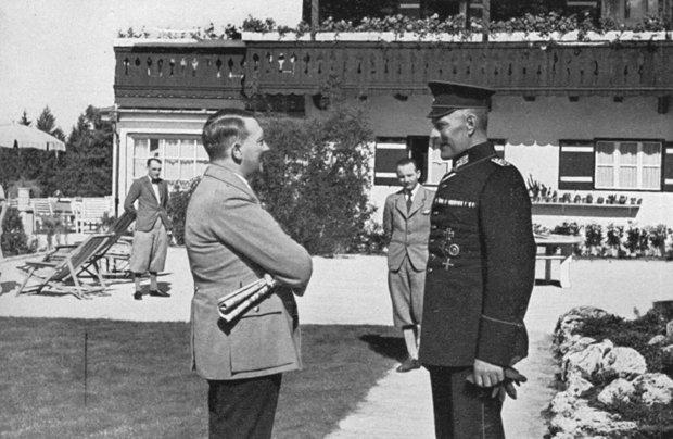 1936: Adolf Hitler empfängt Besuch auf dem Obersalzberg