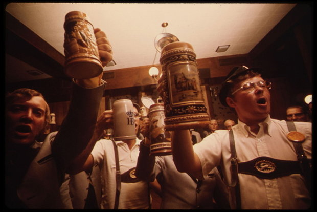 Die Beer Steins pflegen deutsches Lied- und Kulturgut (Foto: DOCUMERICA/National Archive, USA)