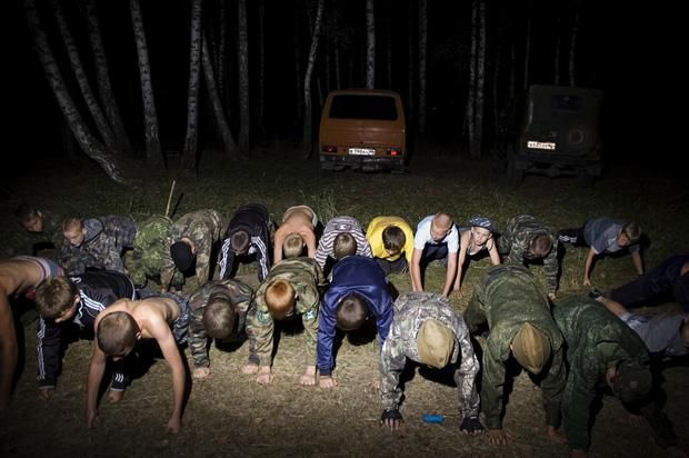 Das Freizeitangebot hält sich in ländlichen Gegenden sehr in Grenzen. Auch deshalb finden Jugendcamps der Kosaken großen Anklang (Denis Tarasov)