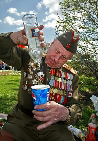 Die politischen Systeme kommen und gehen. Was bleibt, ist der Wodka (Foto: Getty Images)