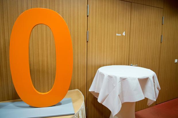 Das ist wahre Größe: Die Null kann sich selbst zurücknehmen und den anderen Ziffern ihren Stellenwert geben (Foto: Michael Gottschalk / photothek.net)