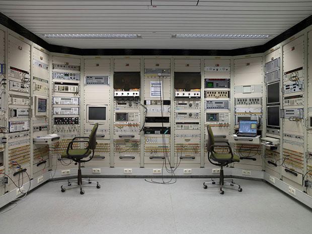 Nicht mehr so intelligent: Die Überwachungstechnik im sogenannten Signal-Intelligence-Raum ist völlig veraltet (Foto: Martin Lukas Kim)