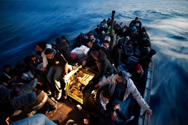 Gefährliche Überfahrt: 2014 kamen 218.000 Flüchtlinge übers Mittelmeer nach Europa. Laut UNO sind 3.500 ertrunken. Mehr als jeder Hundertste.
