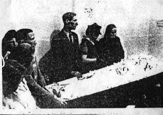 Familie Gisterek bei der Beerdigung (Foto: www.metzingen-zwangsarbeit.de)