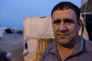 "Harby Ahmad Majed, Leiter des Camps ""Alyawa"" (Foto: Sebastian Backhaus)"