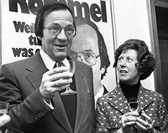Hier feiert Manfred Rommel mit seiner Frau die Wahl zum Oberbürgermeister. Wenn es darum ging, die Kulturen zu vereinen, konnte er aber auch anders – wunderbar stur