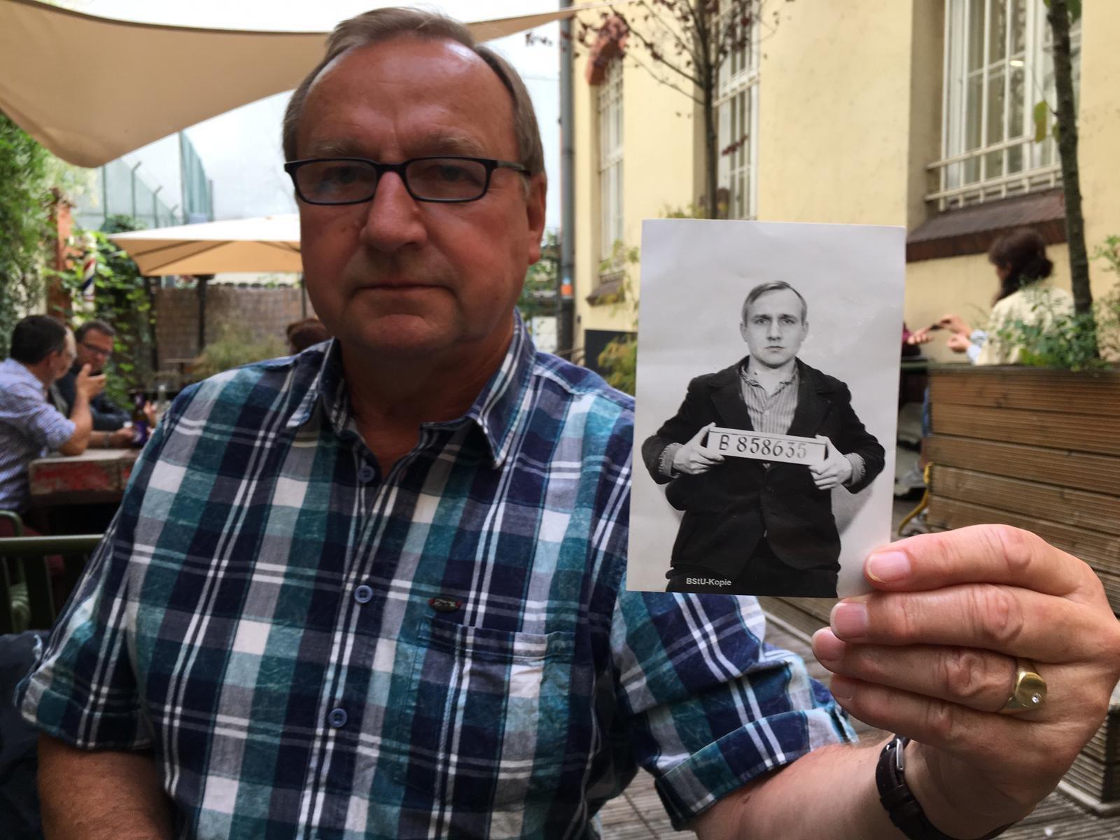 Peter Bieber schrieb ein Buch über seine Flucht aus der DDR