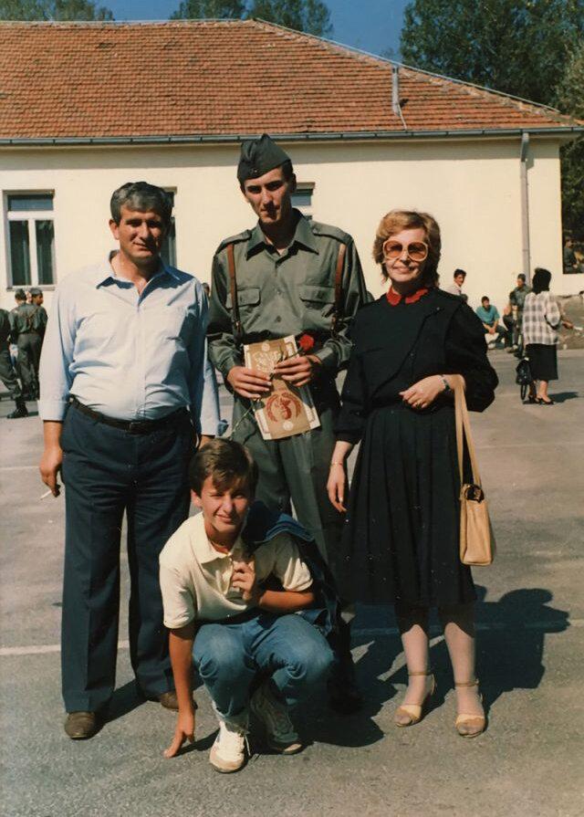 Hasan Nuhanovic mit Eltern und Bruder (Foto: privat)