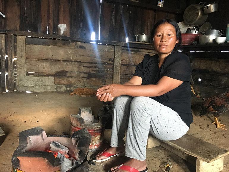 Frau von der ethnischen Minderheit der Cil