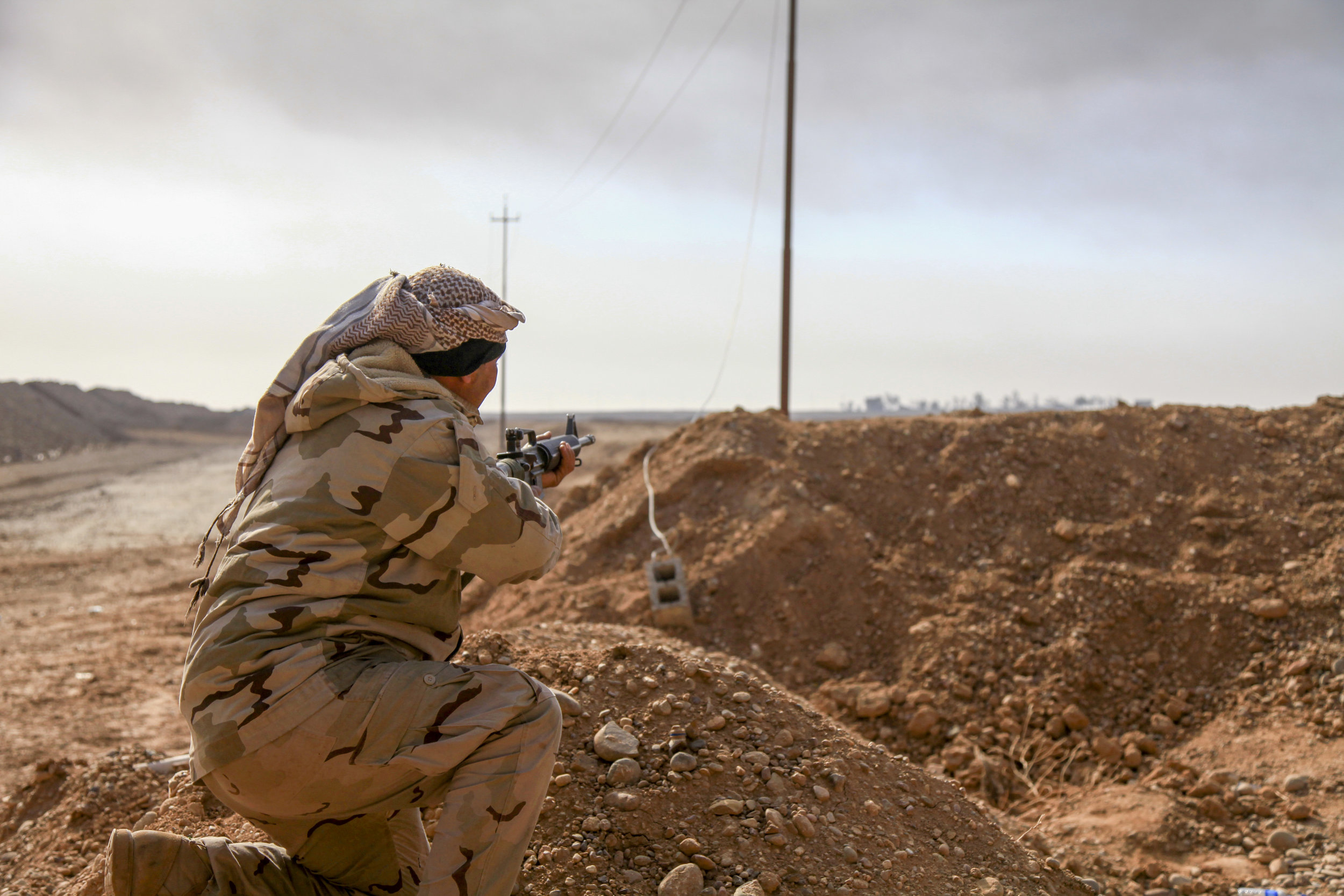 Soldat beim schiessen