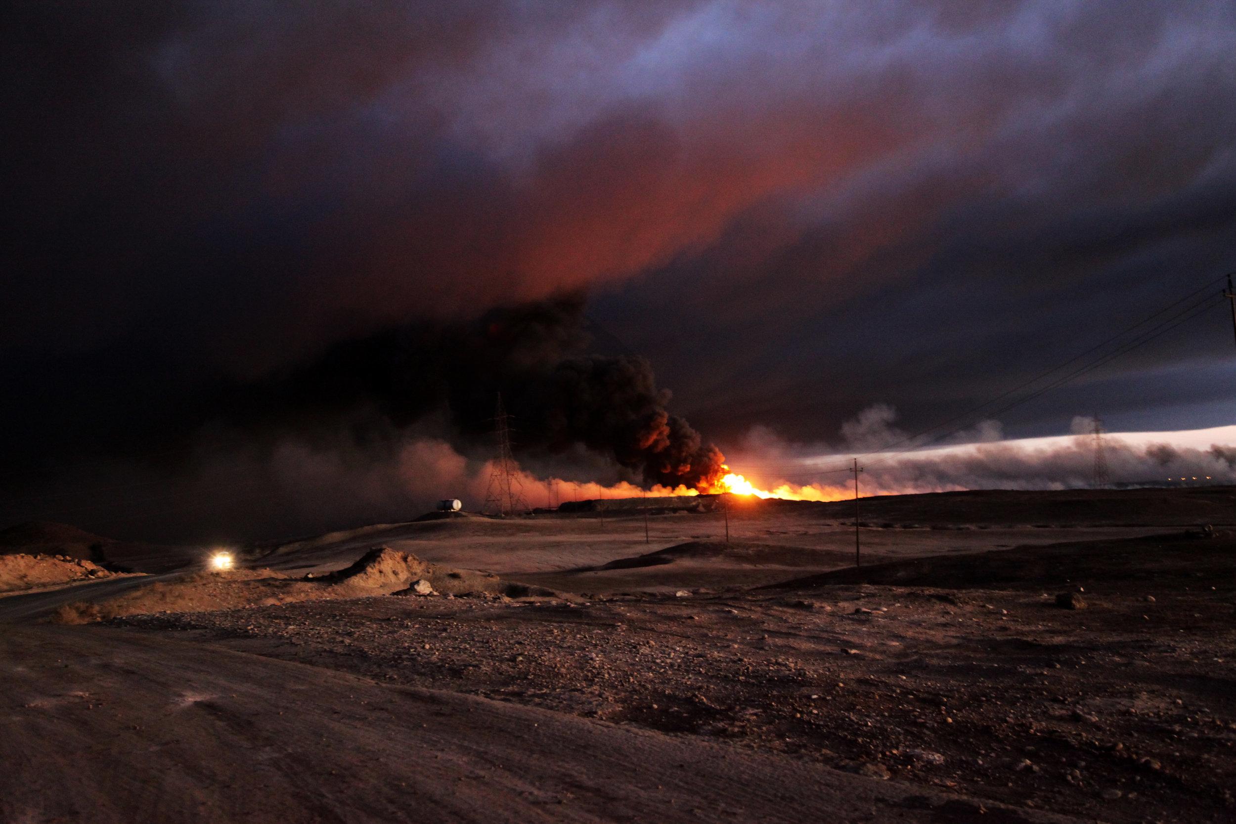 Brennendes Ölfeld