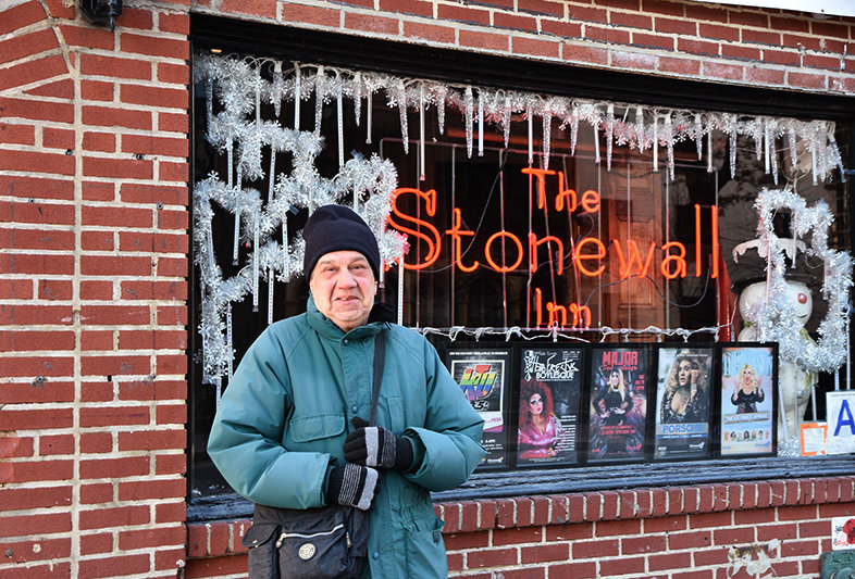Martin Boyce vor dem Stonewall Inn (Foto: Tobias Sauer)