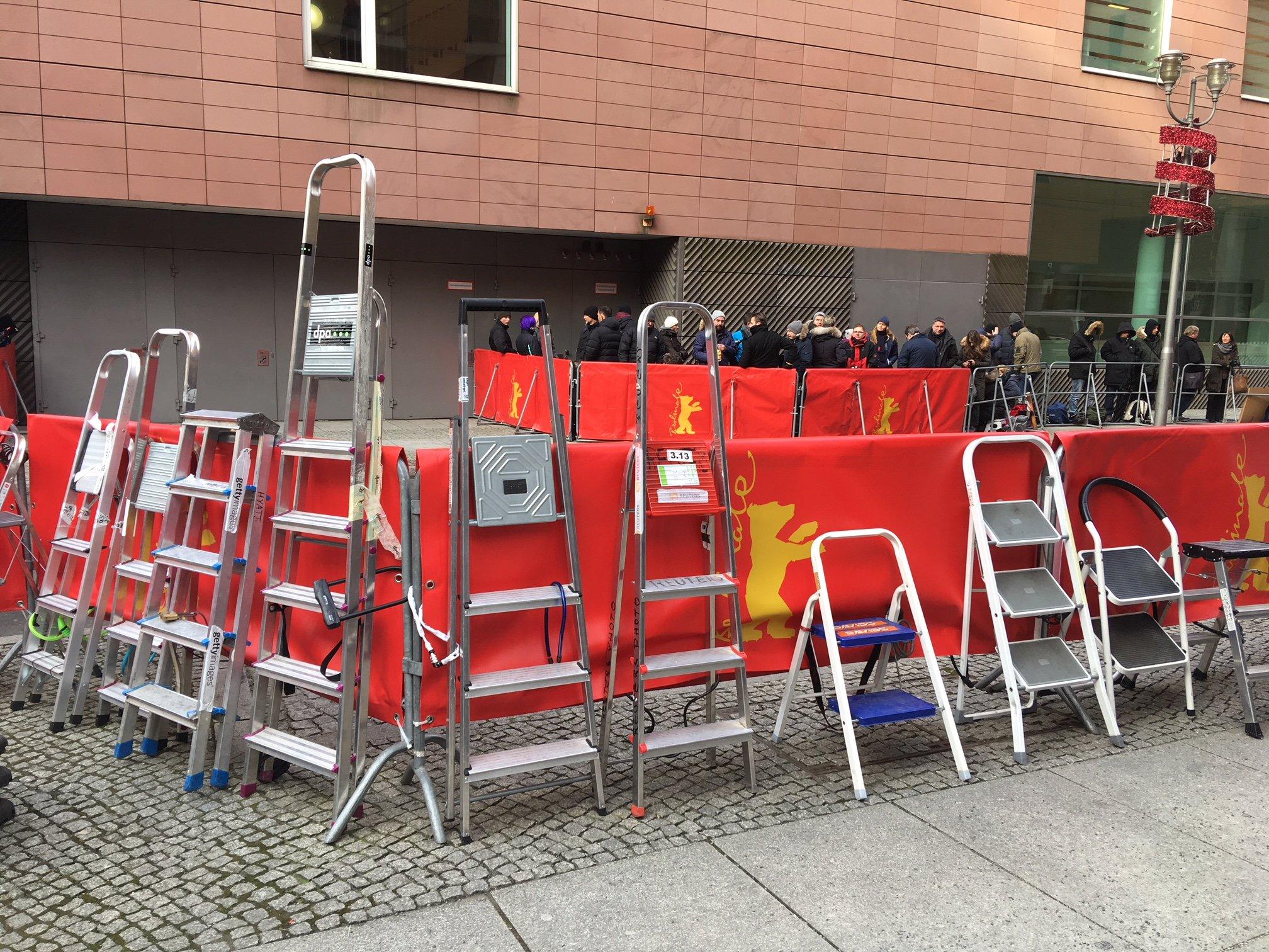 Leitern von Papparazzis bei der Berlinale (Foto: Michael Brake)