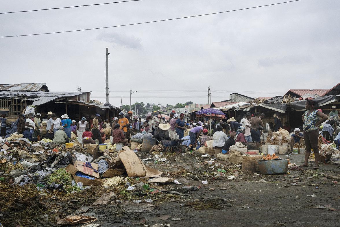 Chaotischer Markt in Port-au-Prince