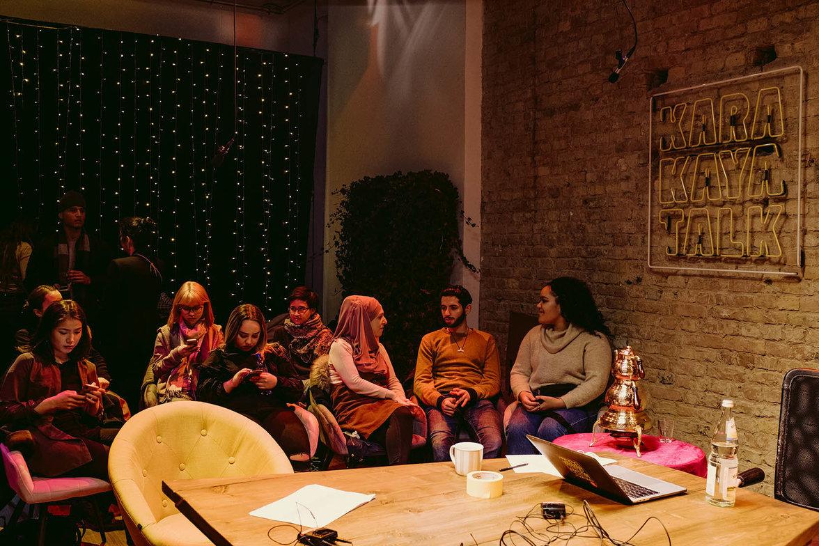 Publikum live beim Karakaya Talk