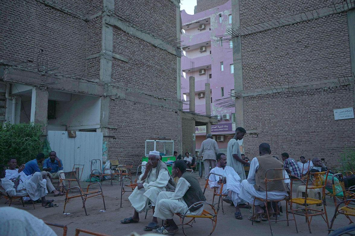 Sudan, Flucht, Folter, Jugend, Cafe