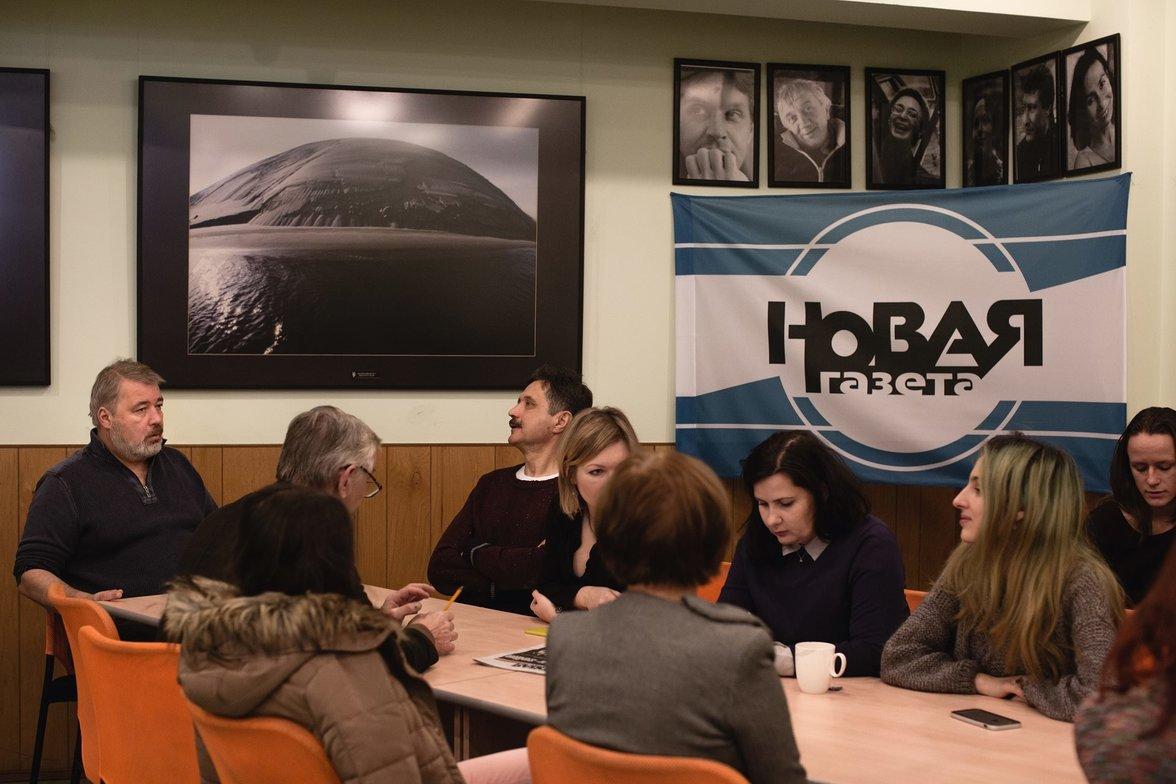 """Redaktionssitzung in der """"Nowaja Gaseta"""" (Foto: Denis Sinyakov)"""