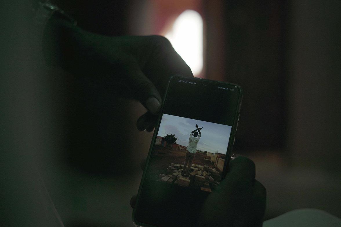 Sudan, Flucht, Folter, Jugend, Facebook