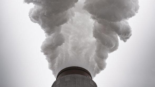 Schornstein des Mountaineer Power Plant von AEP (American Electric Power), das Kohlekraftwerk ist eines der groessten in der USA