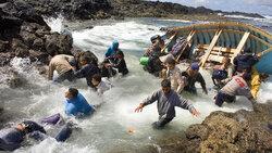 Ein Boot mit Geflüchteten erreicht Spanien