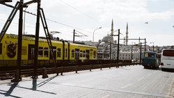 Eine Straßenbahn in Istanbul