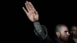 Italienischer Neonazi beim Hiltlergruß; Foto: Paolo Marchetti