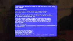 Blick auf alten Computer-Monitor
