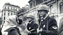 Schon während der argentinischen Militärdiktatur, als massenhaft Regimegegner verschleppt und ermordet wurden, brachte das deren Mütter auf die Barrikaden. Viele von ihnen demonstrieren noch heute regelmäßig, weil das Militär immer noch nichts über den Ve