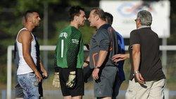 Kein Mon Schiri: Mit den Referees wird wenig liebevoll umgegangen
