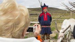 Jede Region hat ihren eigenen Stil: Ein Profi erkennt also sofort, dass diese Tracht nicht aus Finnland, sondern aus Norwegen kommt