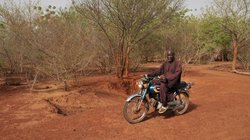 Unterwegs in seinem Wunderwald: 42 Fußballfelder misst Yacoubos Werk inzwischen
