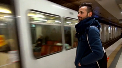 Flüchtling in Köln steigt in die U-Bahn