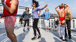 Tanzende auf Dach