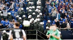 Polizeieinsatz beim Fussballspiel