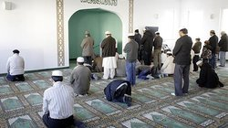 Für nach Deutschland geflüchteten Ahmadiyyas ist das offene Ausleben ihrer Religiosität erstmal etwas Ungewohntes. Sie stehen für einen reformorientierten Islam