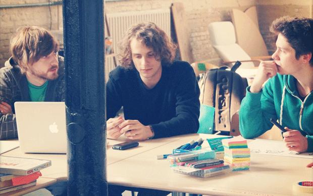 Die Studienfreunde Henning, Robert, Janes während eines Startup Wochenendes in Leeuwarden. Foto: privat (Foto: privat)
