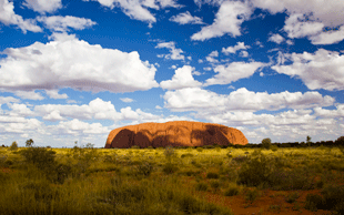 Ayers Rock, der heilige Berg der Aborigines | © picture-alliance/dpa (Foto: picture-alliance/dpa)