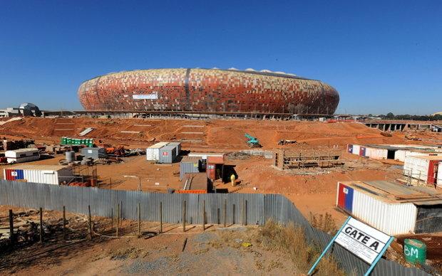 Die FNB-Arena in Johannesburg. Der Umbau für die WM hat 312 Millionen Euro gekostet (Fotos: picture alliance)