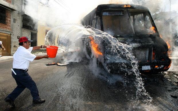 Das war ihr irgendwie zu heiß: Den Plan einer Reise nach Oaxaca ließ die Autorin im Oktober 2006 lieber fallen (Foto: reuters)