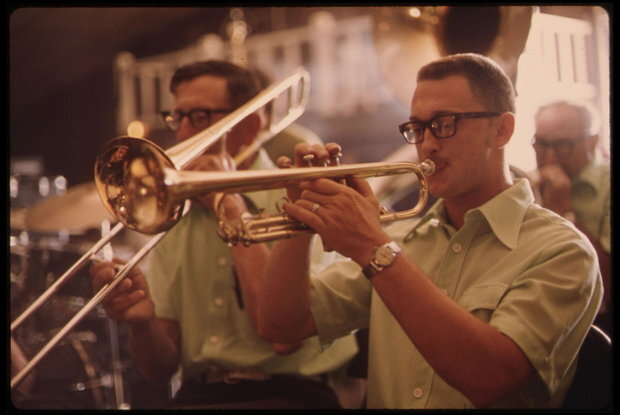 Trompeter einer Polka-Band im Gibbon Ballroom (Foto: DOCUMERICA/National Archive, USA)