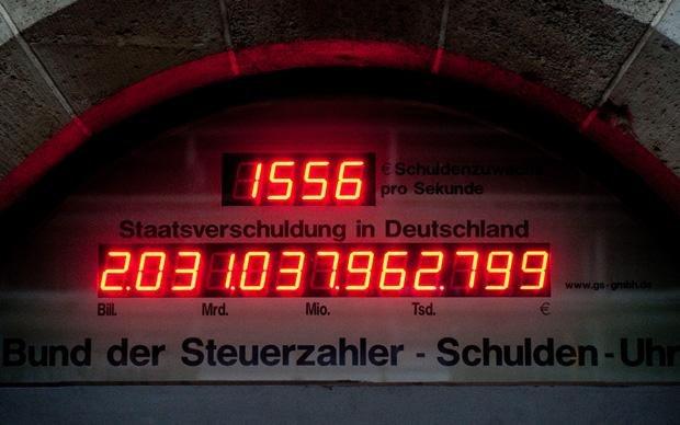 Nur eine Momentaufnahme: Die Zuwachs auf der Schuldenuhr des Bundes der Steuerzahler pro Sekunde: 165 Euro (Foto: Robert Schlesinger dpa/lbn)