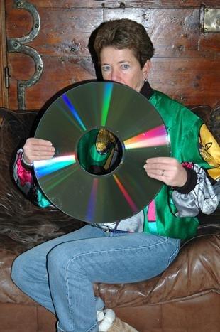 Der runde Datenträger CD-ROM kam Ende der 1970er Jahre auf, eine Abwandlung der Audio-CD  (Thomas Mailaender)