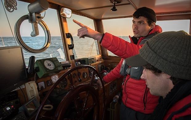 Johannes Bayer, 27, hat schon vor der Abfahrt geholfen, das Boot hochseetauglich zu machen. Im Juli war er neun Tage mit an Bord